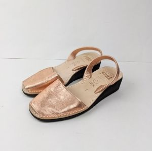 Pons Avarcas Rose Gold Metallic Leather Sandals